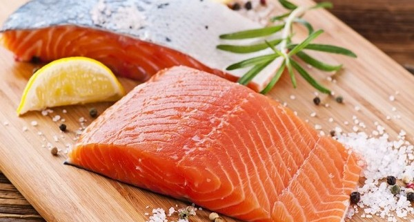 Salmon importer and wholesaler Canada | Importateurs et grossistes de saumon au Canada